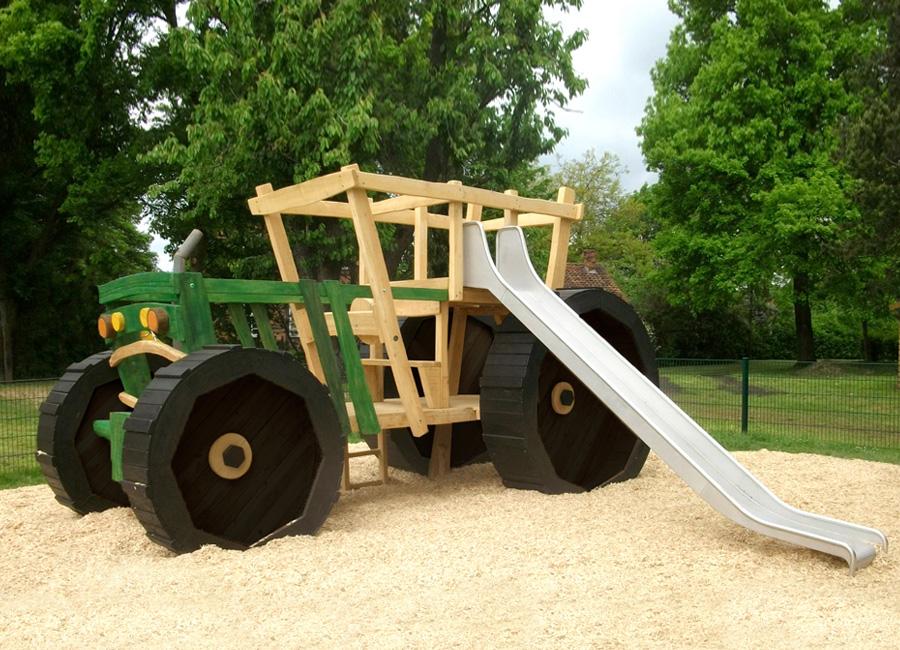 Klettergerüst Rutsche : Großer klettertraktor mit rutsche ziegler spielplätze