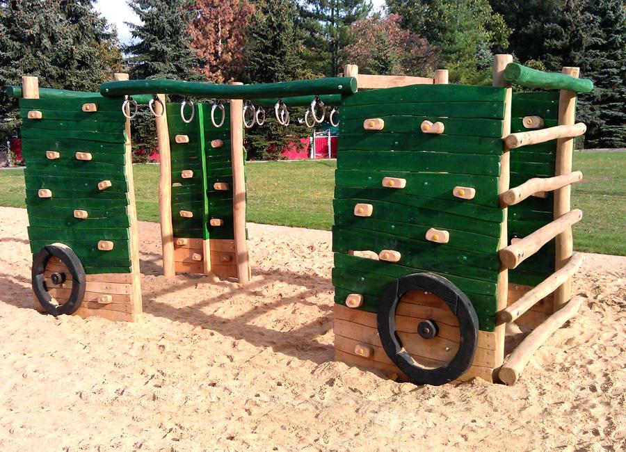 Klettergerüst Traktor : Klettergerüst traktoranhänger mit kletterwand ziegler spielplätze