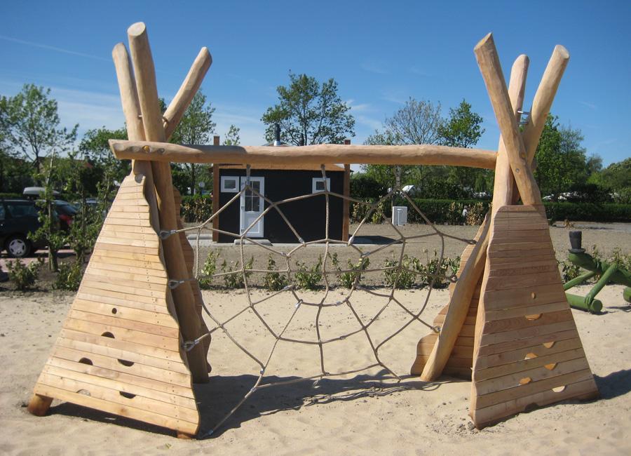 Klettergerüst Spinnennetz : Kletternetz spinnennetz mit tipi ziegler spielplätze