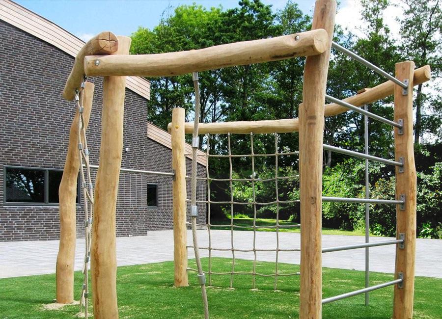 Klettergerüst aus Holz - Ziegler Spielplätze