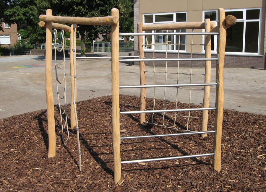 Klettergerüst Spielplatz : Klettergerüst aus holz ziegler spielplätze