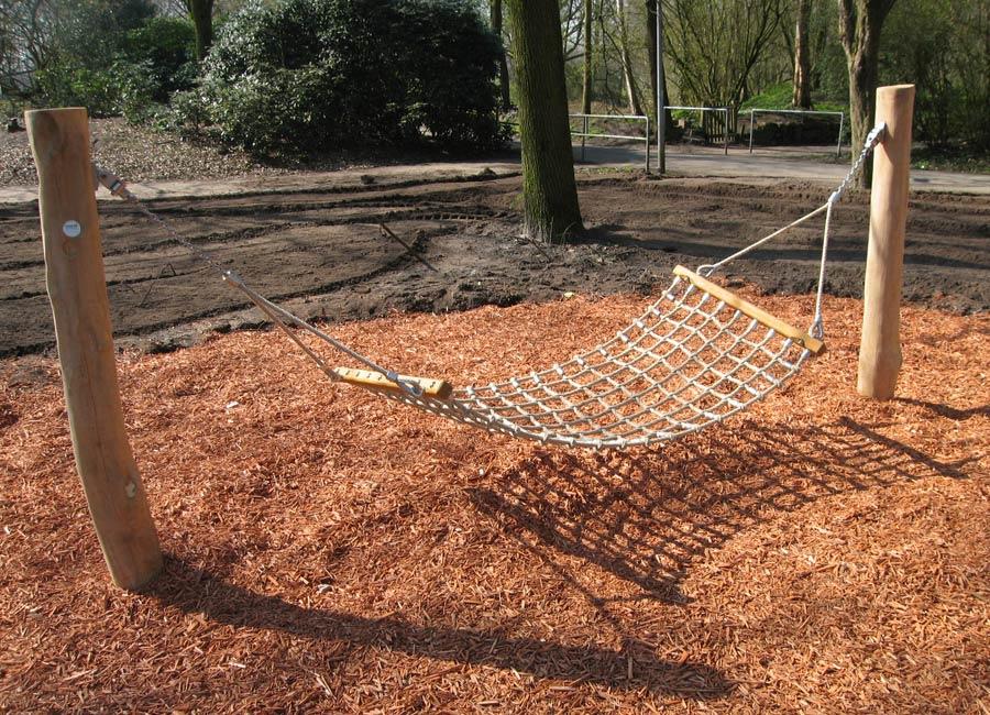Hängemattenschaukel aus Robinienholz - Ziegler Spielplätze