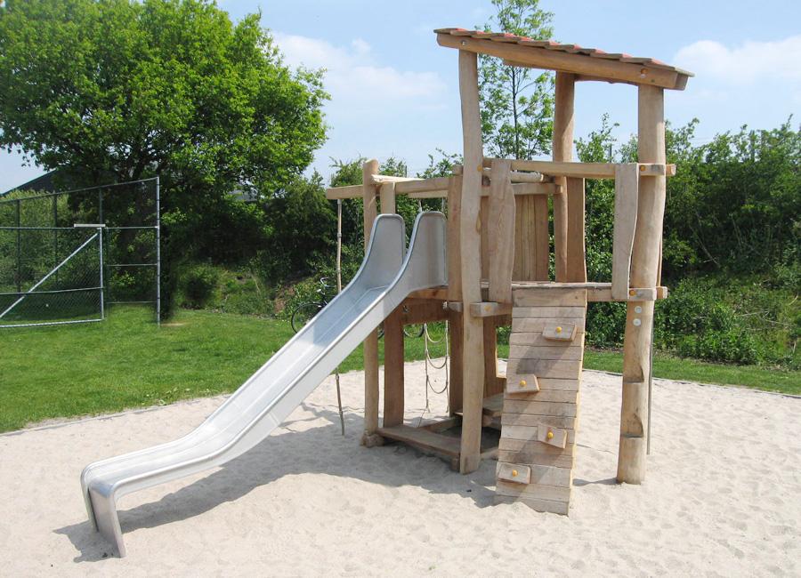 Brandneu Rutschenturm mit Kletterwand aus Holz - Ziegler Spielplätze JP69